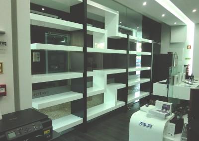 Design e Execução de Mobiliário Loja Informática  – Switch Technology, Coimbra